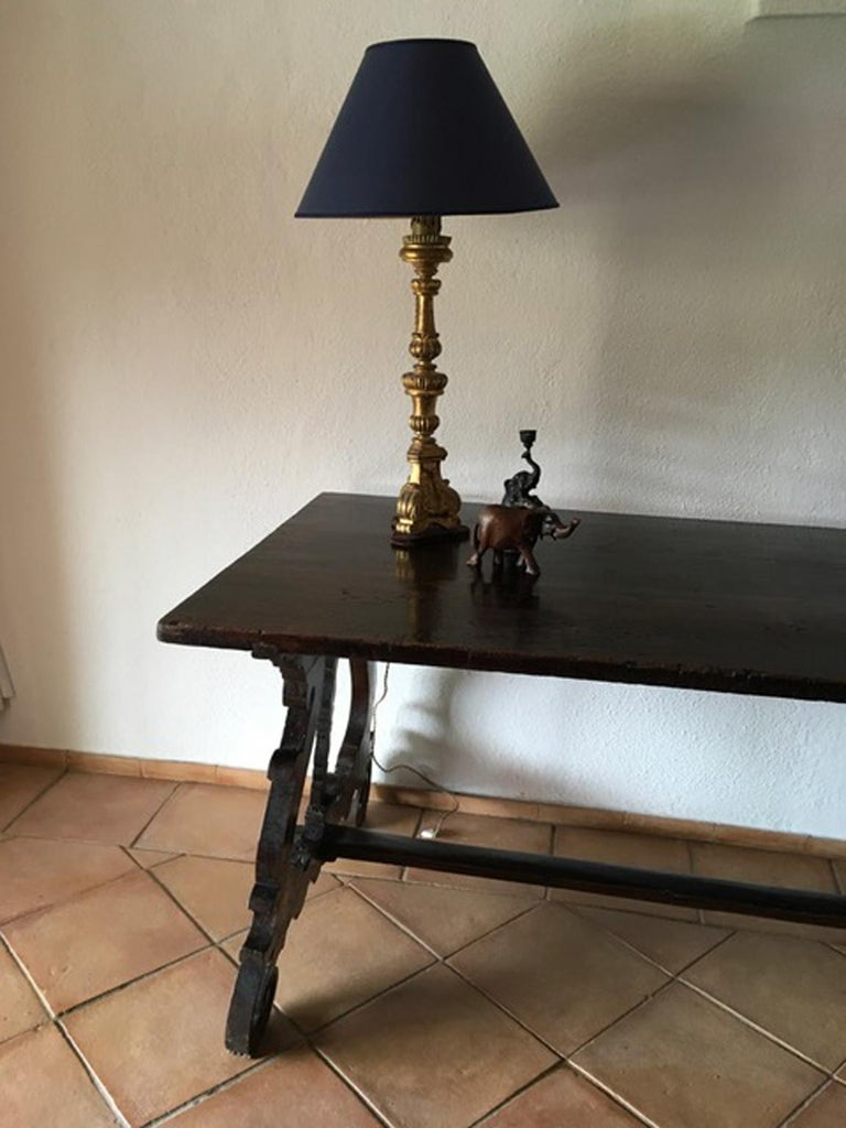 Italy 17th Century Walnut Table in Baroque Style For Sale 8