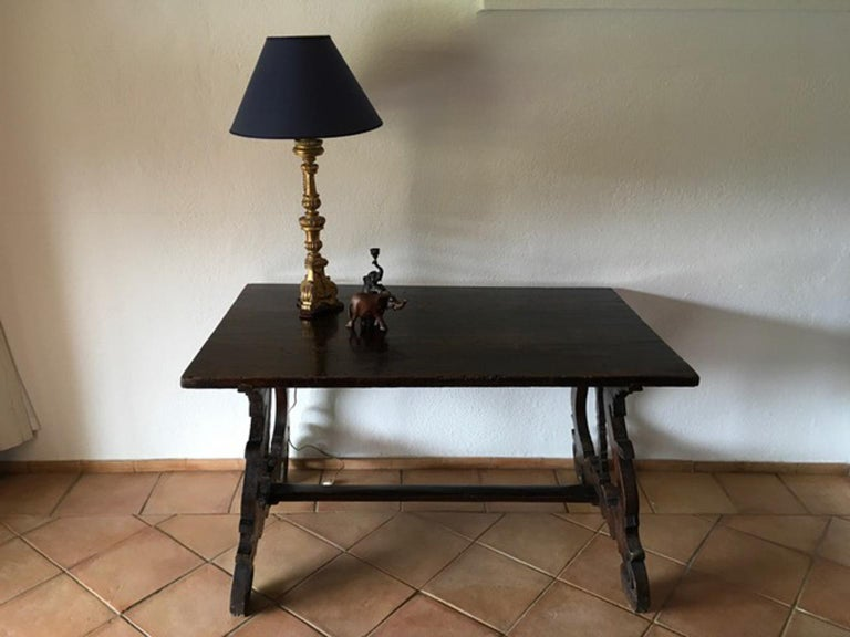 Italy 17th Century Walnut Table in Baroque Style For Sale 9