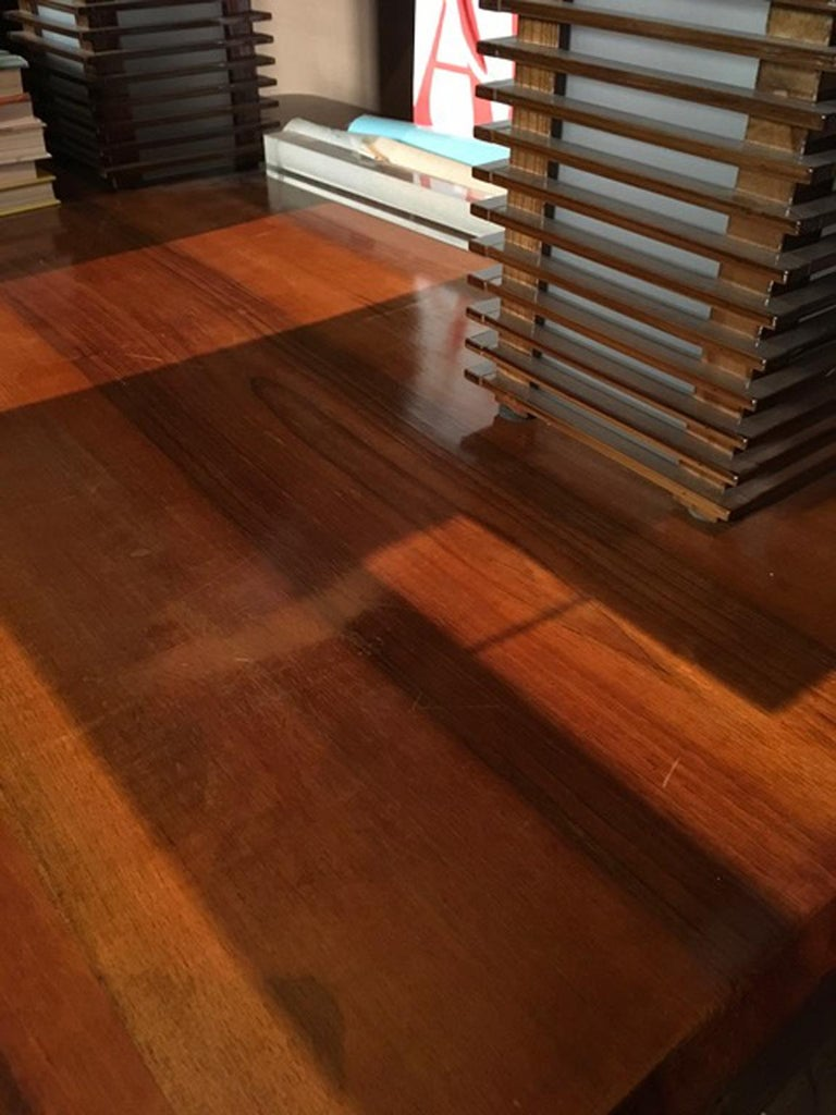 Italy 1930 Walnut Dining Table or Desk in Art Deco Style In Good Condition For Sale In Brescia, IT