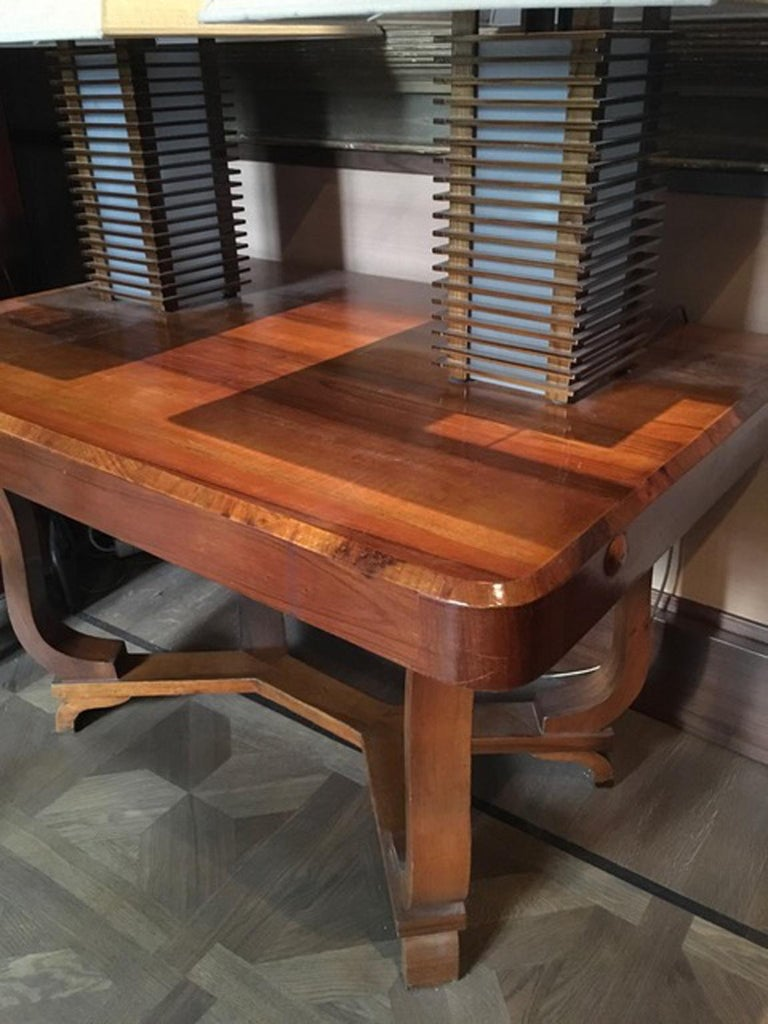 Italy 1930 Walnut Dining Table or Desk in Art Deco Style For Sale 1