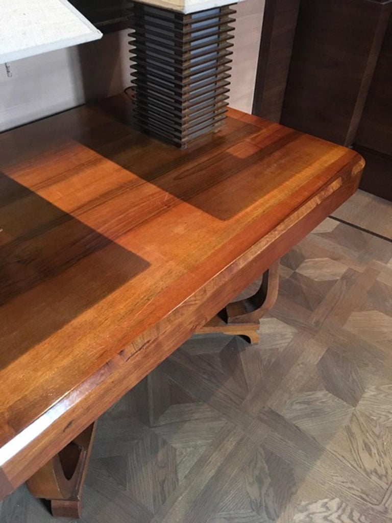 Italy 1930 Walnut Dining Table or Desk in Art Deco Style For Sale 2