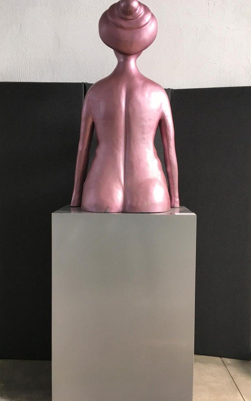 Italy 1980 Figurative Sculpture by Ugo La Pietra Pink Lacquered Aluminium For Sale 4