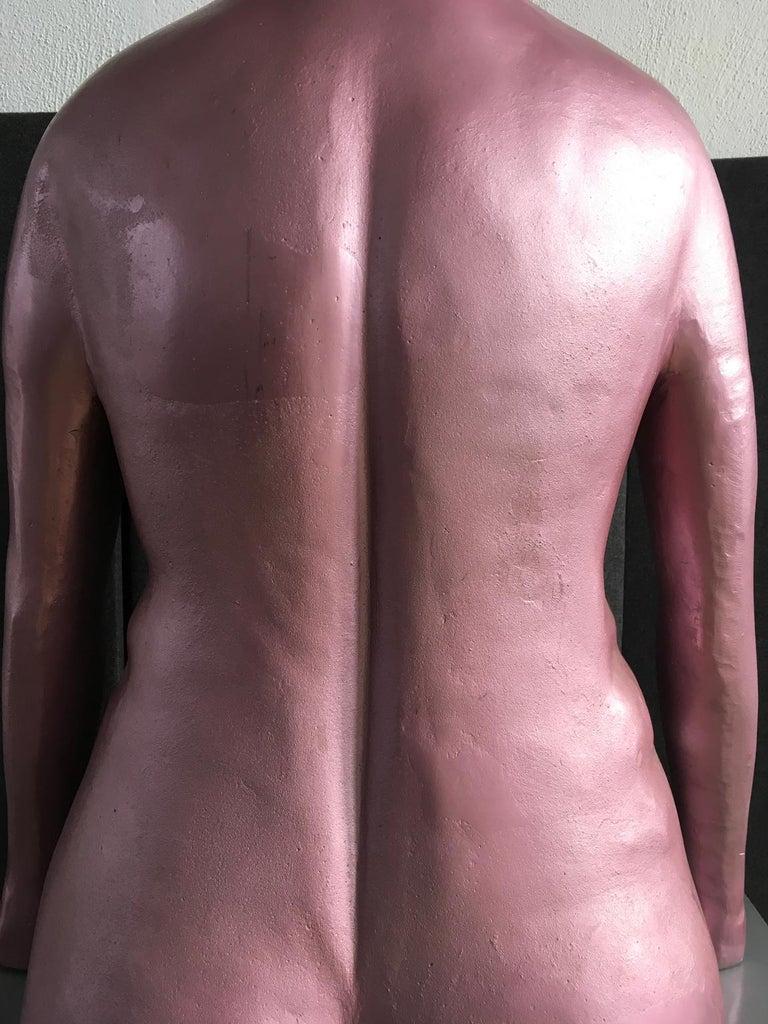 Italy 1980 Figurative Sculpture by Ugo La Pietra Pink Lacquered Aluminium For Sale 5