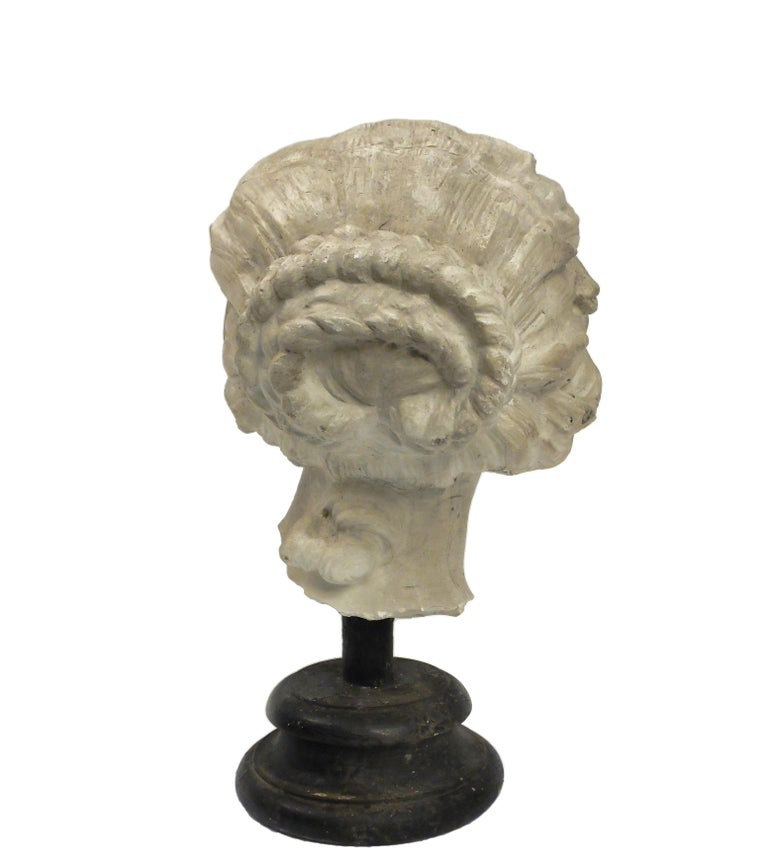 Academic Cast Depicting Costanza Bonarelli's Head, Italy, circa 1890 In Excellent Condition For Sale In Milan, IT
