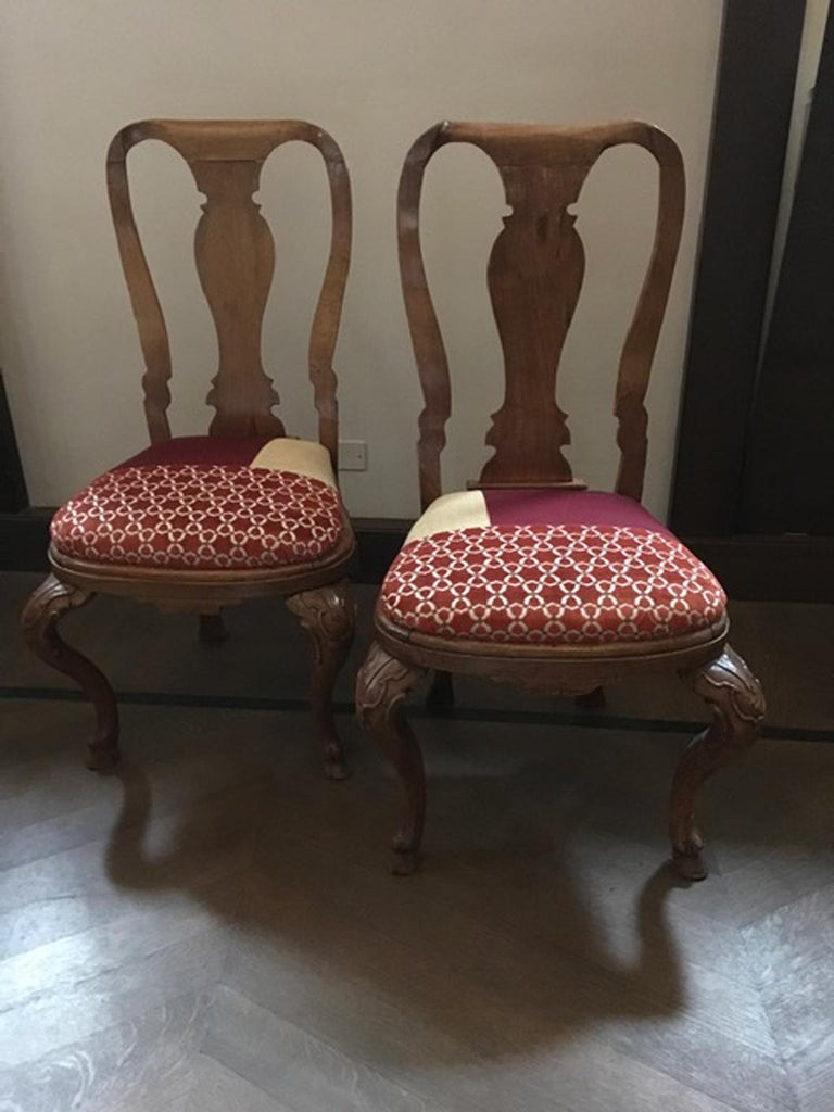 Baroque Italy Mid-18th Century Pair of Dining Chairs Solid Oak Hand Carved For Sale