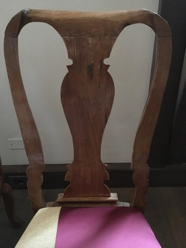 Hand-Carved Italy Mid-18th Century Pair of Dining Chairs Solid Oak Hand Carved For Sale