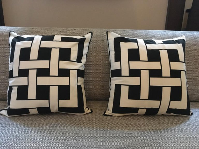 Italy Pair of Pillows in Geometric Black and White Cotton Print in Modern Style For Sale 9