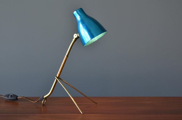 Finnish Itsu, Modernist Table Lamp, Brass, Leather, Anodized Aluminum, Finland, 1950s For Sale
