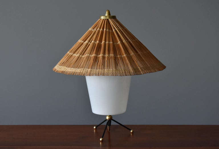 Scandinavian Modern Itsu, Modernist Table Lamp, Brass, Painted Steel, Acrylic, Reed, Finland 1950s For Sale
