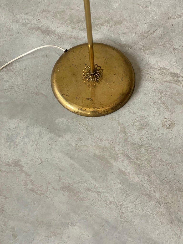 Finnish Itsu, Organic Floor Lamp, Brass, Reed, Off-White Fabric Finland, 1950s