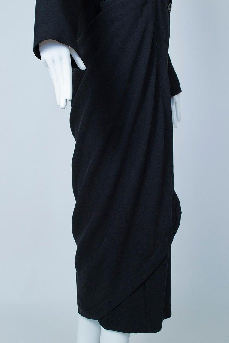 Ivan Grundahl Black Avant Garde Wrapping Draped Trench Coat – Eu 40 (Med), 1990s For Sale 7