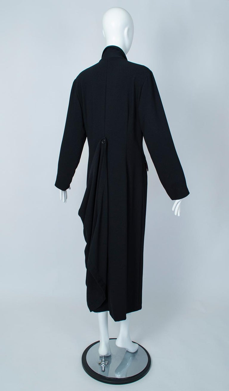 Ivan Grundahl Black Avant Garde Wrapping Draped Trench Coat – Eu 40 (Med), 1990s For Sale 2
