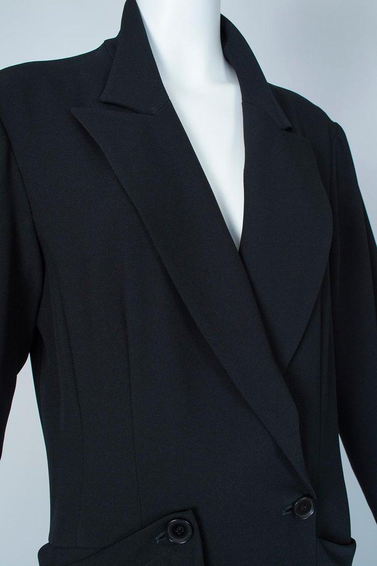 Ivan Grundahl Black Avant Garde Wrapping Draped Trench Coat – Eu 40 (Med), 1990s For Sale 3