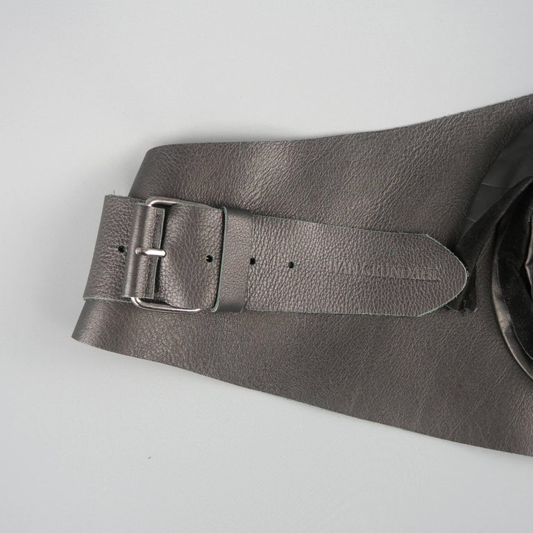 IVAN GRUNDAHL Size M Black Leather Thick Suede Floral Belt For Sale 1
