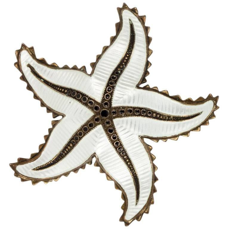 Ivar Holth White Enamel Sterling Silver Starfish Brooch Pin Norway In Excellent Condition For Sale In Montreal, QC
