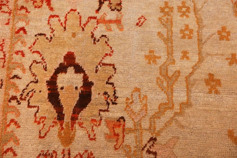 Hand-Knotted Ivory Antique Oushak Turkish Rug. Size: 13 ft 7 in x 15 ft 3 in(4.14 m x 4.65 m) For Sale