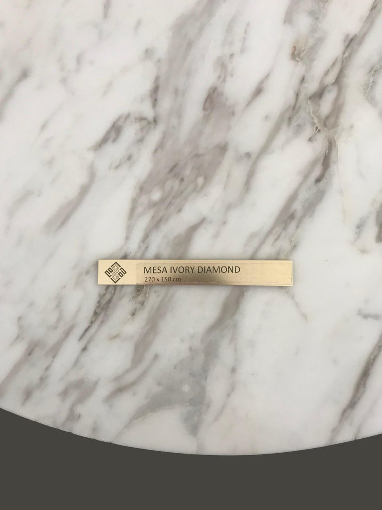 'Ivory Diamond' Ovaler Esstisch in Griechischen Weißen Marmor 7