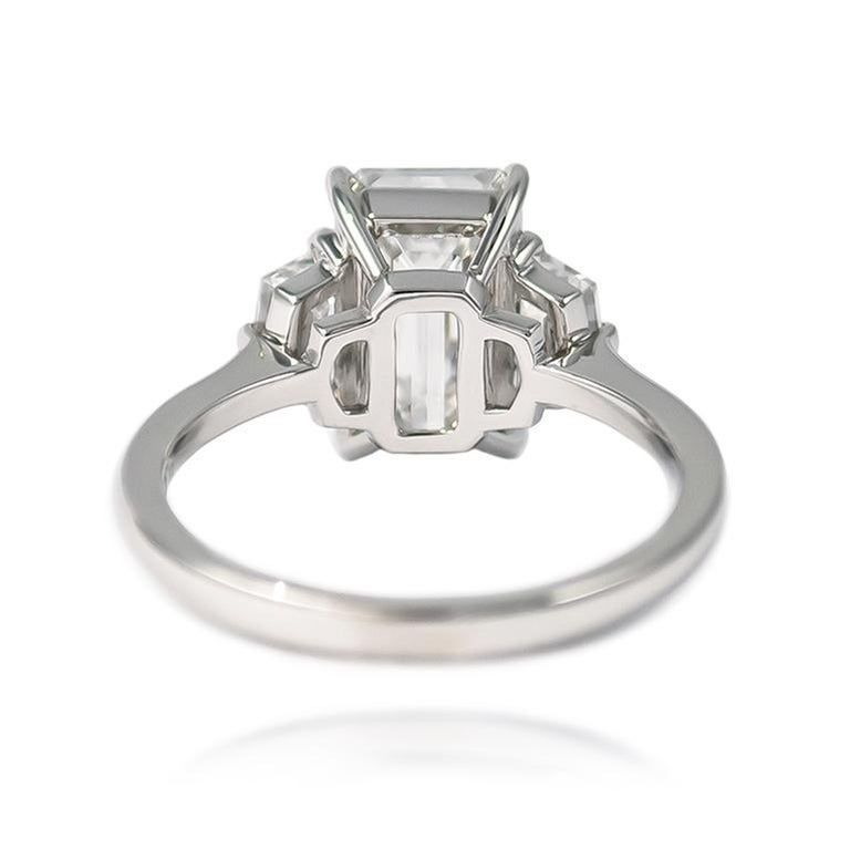 J. Birnbach GIA Certified 3.00 E VS2 Emerald Cut Three-Stone Ring In New Condition In New York, NY