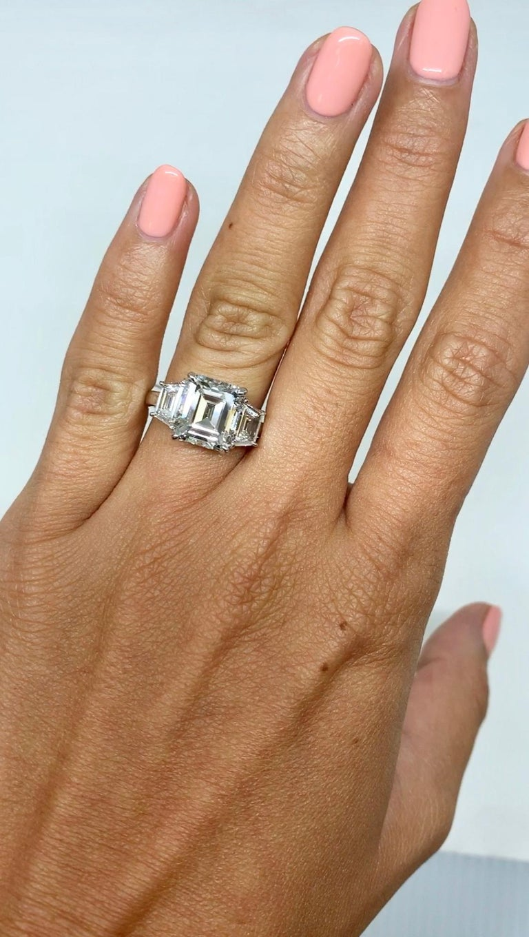 J. Birnbach GIA Certified 3.04 Carat E VS1 Emerald Cut Three-Stone Ring In New Condition For Sale In New York, NY