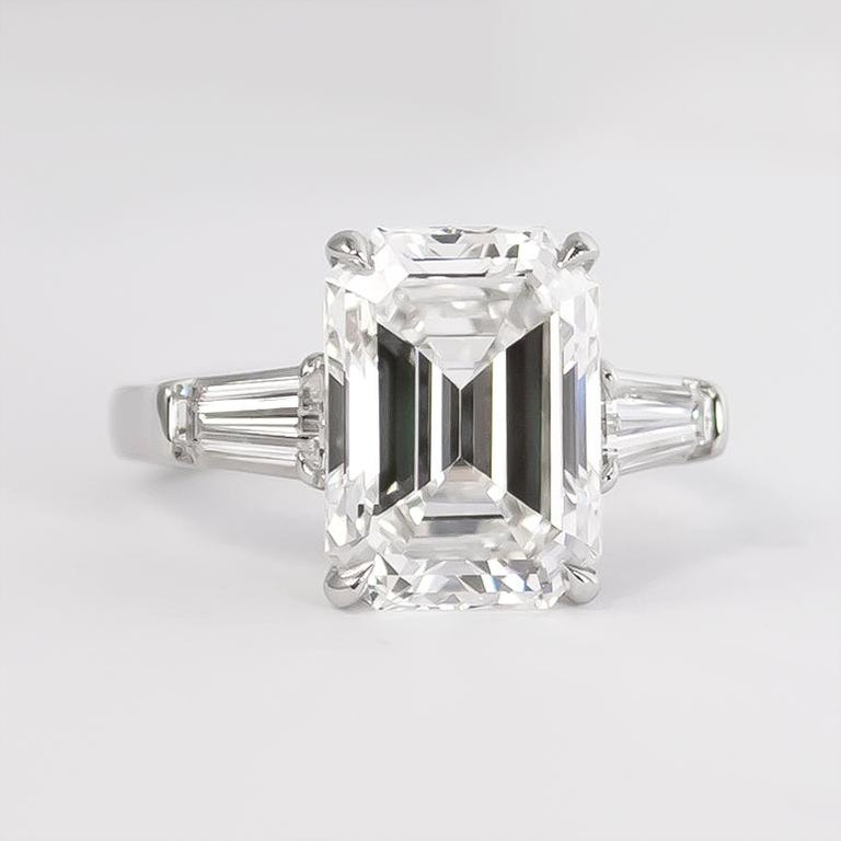 Contemporary J. Birnbach GIA Certified 5.43 Carat E VVS2 Emerald Cut Diamond Ring For Sale