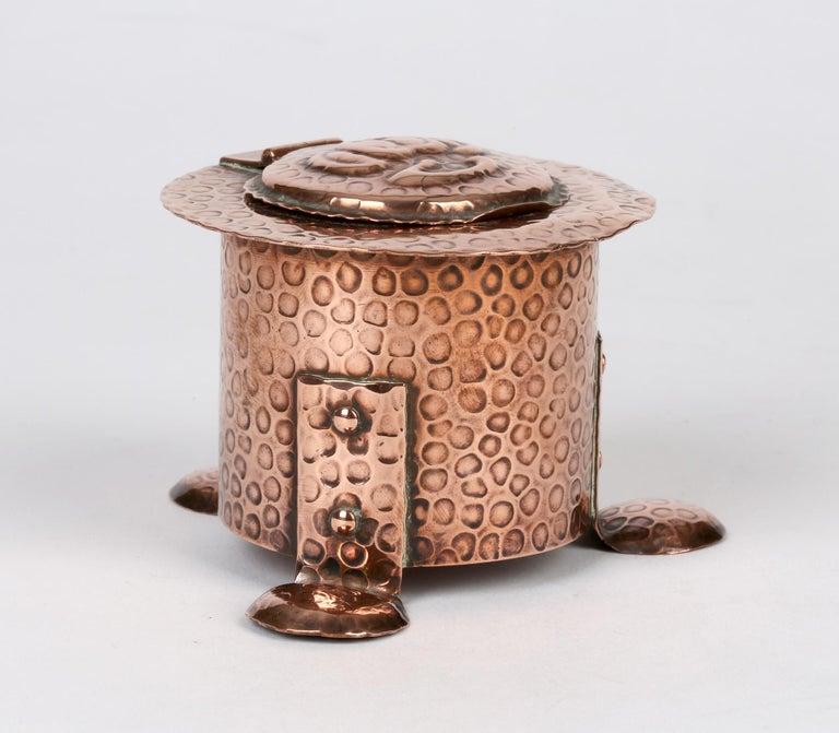 J F Poole Hayle Arts & Crafts Handbeaten Cornish Copper Inkwell For Sale 5