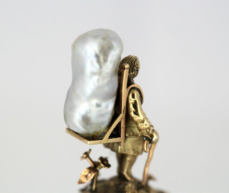 J. Mandereau / Maison Molgatini - 18k gold emerald and baroque pearl desk seal For Sale 5
