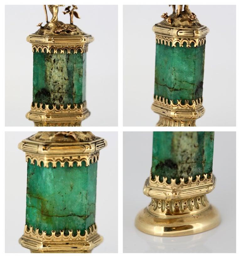 J. Mandereau / Maison Molgatini - 18k gold emerald and baroque pearl desk seal For Sale 7
