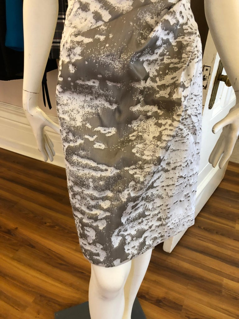 J. Mendel Paris Strapless Grey/Silver Dress (S) In Excellent Condition For Sale In Port Hope, ON