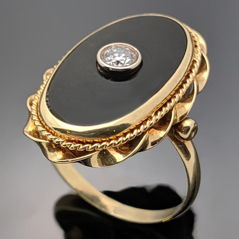 Brilliant Cut Onyx and Diamond 14 Karat Yellow Gold Ring For Sale