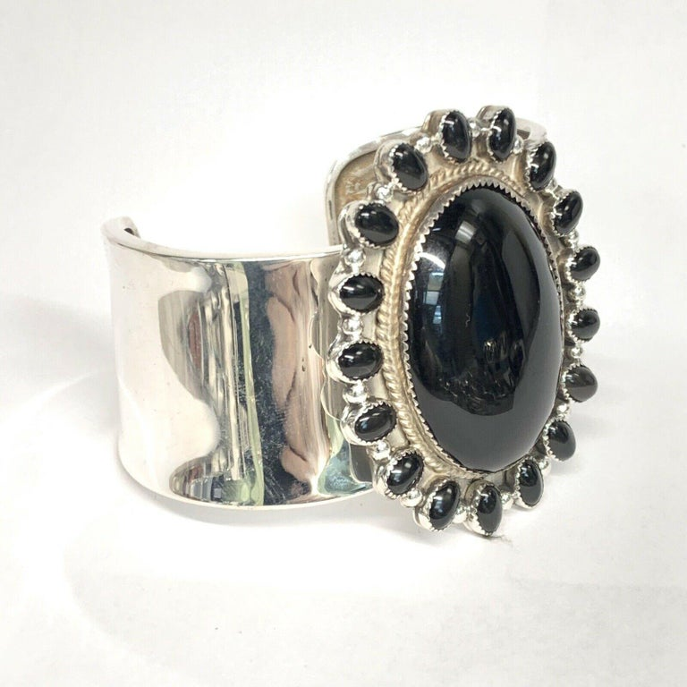 J. Wright Navajo Sterling Silver Onyx Cuff Estate Bracelet In New Condition For Sale In Brooklyn, NY