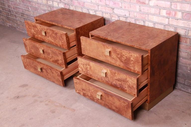 Jack Cartwright for Founders Midcentury Burl Wood Bedside Chests, Restored For Sale 5