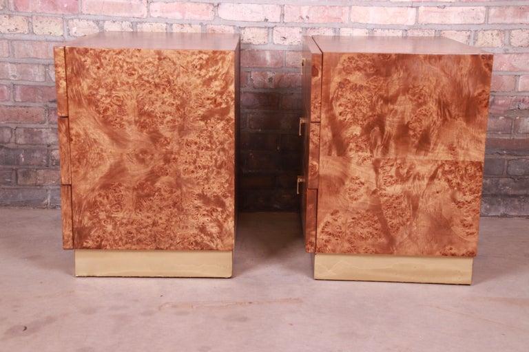 Jack Cartwright for Founders Midcentury Burl Wood Bedside Chests, Restored For Sale 7