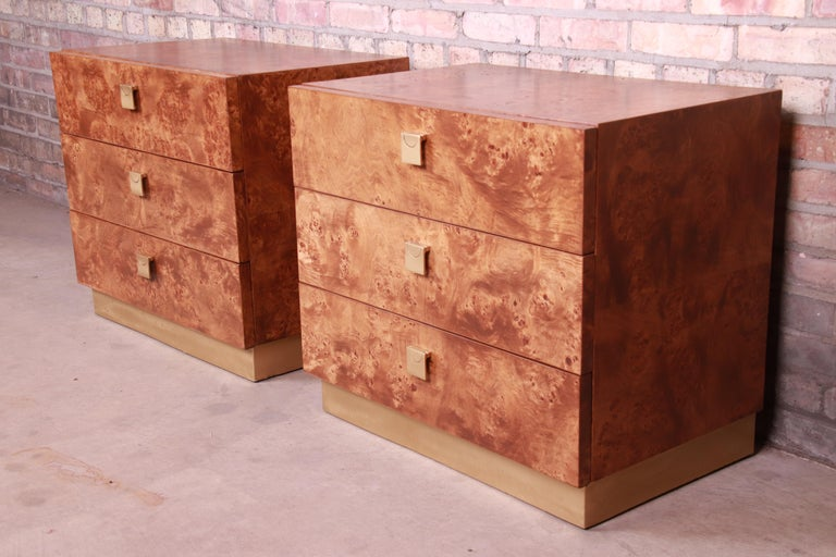 American Jack Cartwright for Founders Midcentury Burl Wood Bedside Chests, Restored For Sale