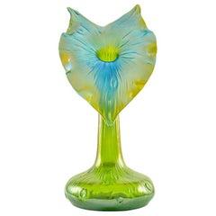 Jack-in-the-Pulpit Flower Vase Loetz Glass circa 1899 Austrian Jugendstil Green