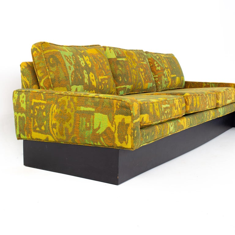 Late 20th Century Jack Lenor Larsen Style Milo Baughman for Thayer Coggin Mid Century Sectional S For Sale