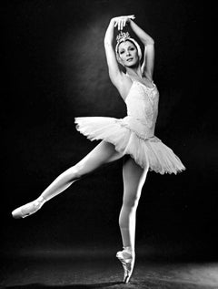 ABT principal dancer Cynthia Gregory in 'Swan Lake', Signed by Mitchell