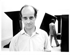 British sculptor Philip KIng at an exhibition of his work in New York City
