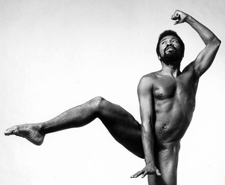 Broadway actor, dancer & singer Ben Vereen, nude, signed by Jack Mitchell For Sale 1