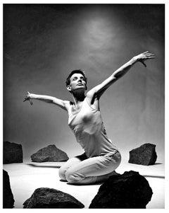 Dancer/choreographer Molissa Fenley performing