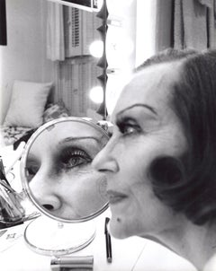 Gloria Swanson Backstage in her 'Butterflies Are Free' Broadway Dressing Room