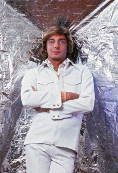 Singer/songwriter Barry Manilow photographed for the cover of 'After Dark'