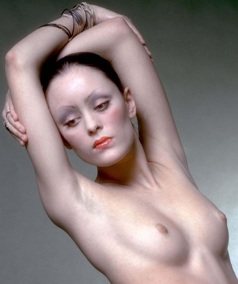 Warhol Superstar model & actress Jane Forth photographed nude for Vogue magazine - Photograph by Jack Mitchell