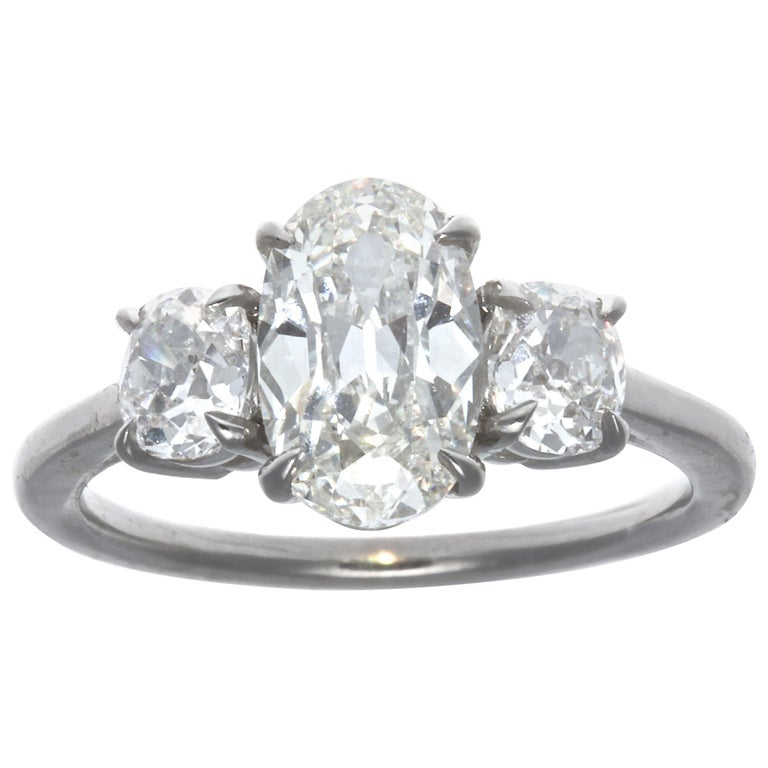1.64 Carat Oval Brilliant Cut Diamond Platinum Ring For Sale