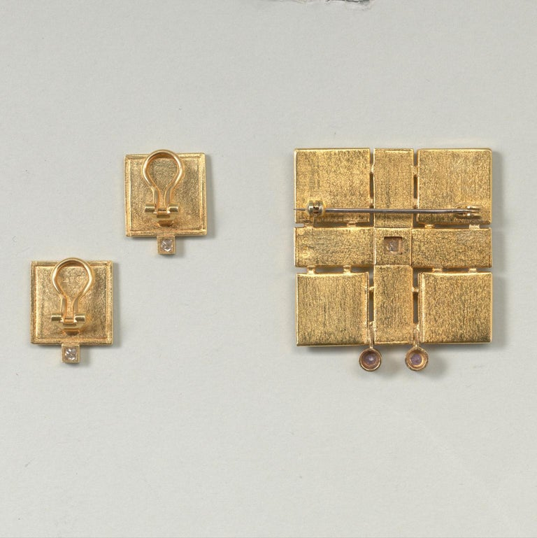 Jacob de Groes Square Gold Brooch and Earrings In Excellent Condition For Sale In Amsterdam, NL