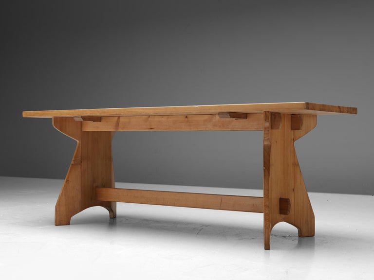 Jacob Kielland-Brandt Dining Table in Solid Pine In Good Condition For Sale In Waalwijk, NL