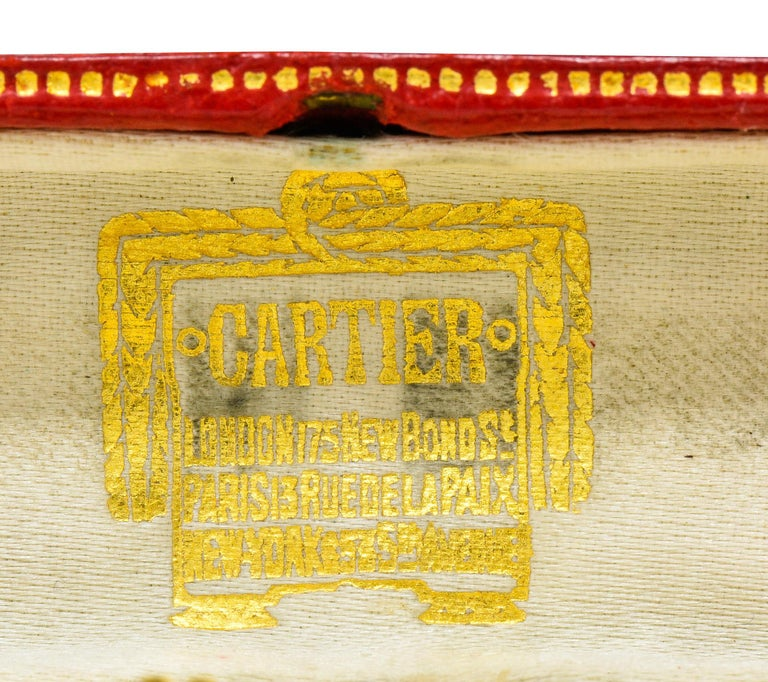 Jacques Cartier Art Deco 9 Karat Gold Functional Ribbed Lighter For Sale 1