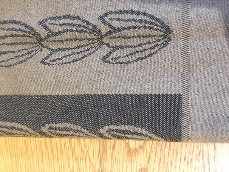 Throw Jacques Gracia Collection by Baker, with fringes on both sides, size 148x182cm, 100% wool, made in U.K.