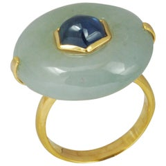 Jade 32.44 Carat with Cabuchon Blue Sapphire 2.36 cts Ring in 18k Gold Settings
