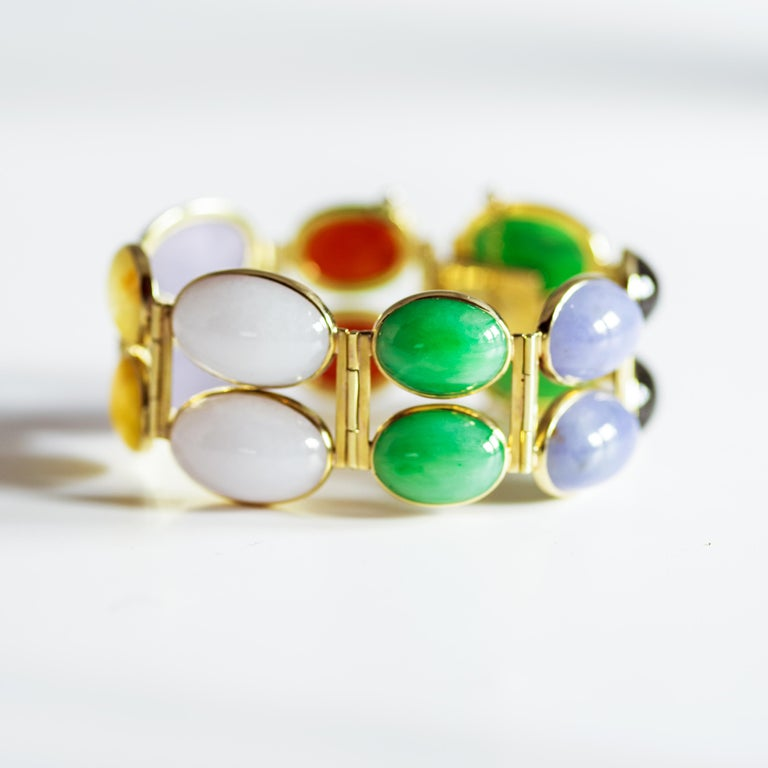 Jade Bracelet of Extraordinary Color Certified Untreated For Sale 11