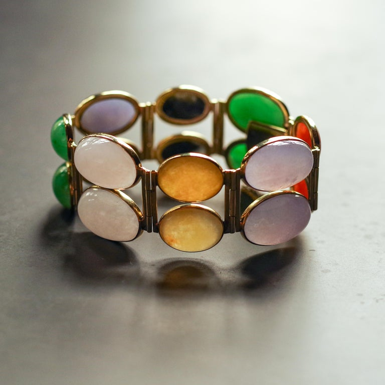 Jade Bracelet of Extraordinary Color Certified Untreated For Sale 13